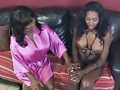 Black Lesbos Fucking With Huge Strapon