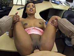 Sexy black babe pounded for a golf club